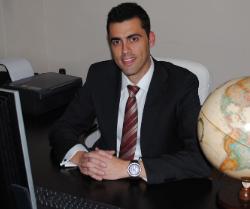 Entrevista con Alejandro Vega, fundador de Tripsbook, primera red social de viajes